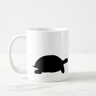 Raza de la tortuga y de las liebres taza de café