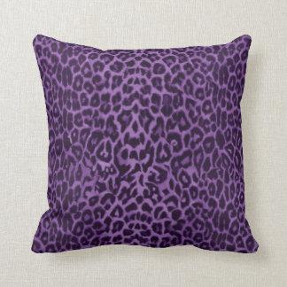 Real: Almohada de tiro púrpura del leopardo