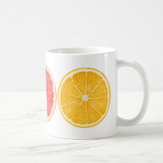 Rebanadas de la fruta cítrica taza