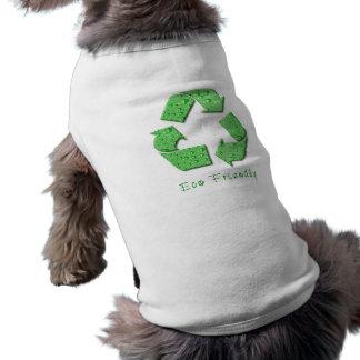 Reciclaje de la camisa del perro ropa macota
