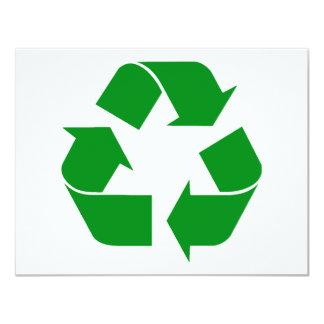 Reciclando el símbolo - verde invitación 10,8 x 13,9 cm
