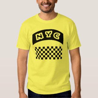 Recorte de NYC con el tablero de damas y la Camisetas