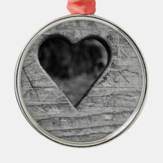Recorte del corazón en madera adorno navideño redondo de metal