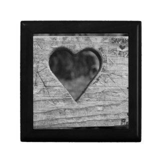 Recorte del corazón en madera cajas de recuerdo