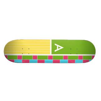 Rectángulos rosados, azules, verdes, y amarillos monopatin personalizado