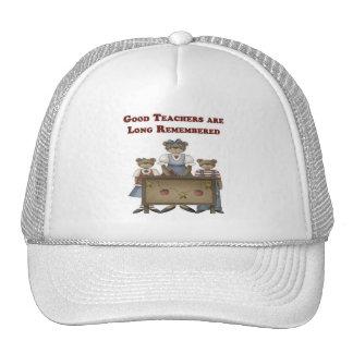 Recuerdan a los buenos profesores de largo gorra