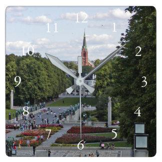 Recuerdo de Noruega Oslo Vigeland Escandinavia Reloj Cuadrado