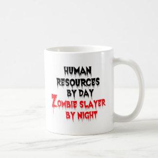 Recursos humanos del asesino del zombi del día por taza de café