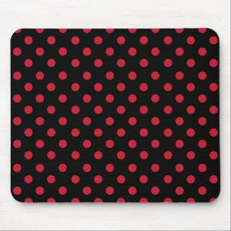 Red polka dots in black alfombrilla de ratón
