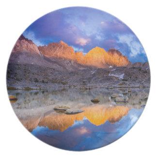 Reflexión de la montaña, California Plato