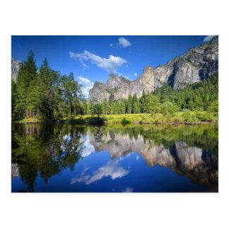 Reflexión de Yosemite Tarjetas Postales