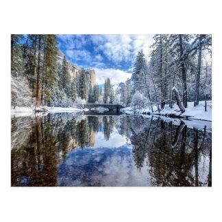Reflexión del invierno en Yosemite Postal