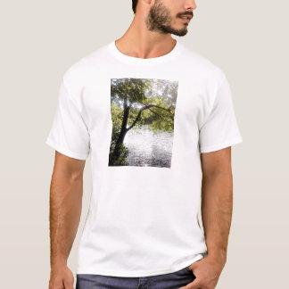 Reflexiones en las maderas camiseta