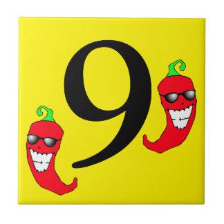 Refresque la teja caliente nueve del número 9 de