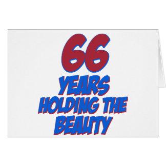 refresque los diseños del cumpleaños de 66 años felicitacion