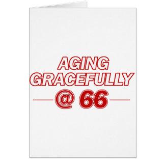 refresque los regalos de 66 años tarjeta de felicitación