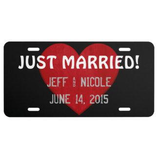Regalo de boda casado de la placa del