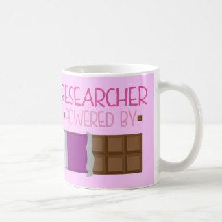 Regalo del chocolate del investigador para ella taza
