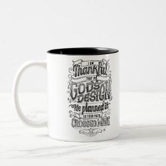 Regalo indicado con letras de la pizarra de la taza de café de dos colores