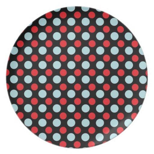 Regalos azules y rojos del modelo de lunares platos