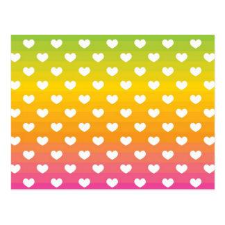 Regalos coloridos del modelo de los corazones del postal