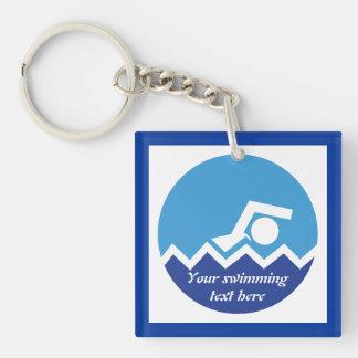 Regalos de la natación, nadador en un personalizad llavero