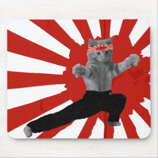 Regalos divertidos del gatito del karate alfombrilla de ratón