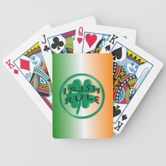 Regla irlandesa - colores y trébol de Irlanda Barajas