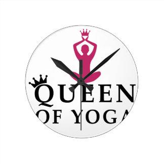 reina de la corona de la yoga reloj redondo mediano