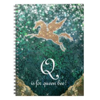 Reina purpúrea clara B de la letra Q del oro del Cuaderno