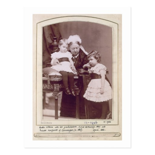 Reina Victoria (1819-1901) con sus nietos, Tarjeta Postal
