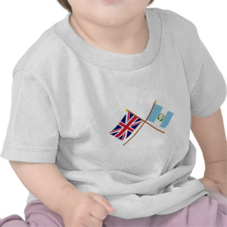 Reino Unido y banderas cruzadas Guatemala Camiseta