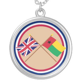 Reino Unido y banderas cruzadas Guinea-Bissau Collar Personalizado