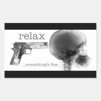 Relaje… todo está muy bien (el arma a la pegatina rectangular