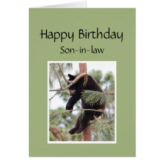 Relájelo es su oso del cumpleaños para el yerno tarjeta