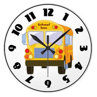 Reloj amarillo del autobús escolar