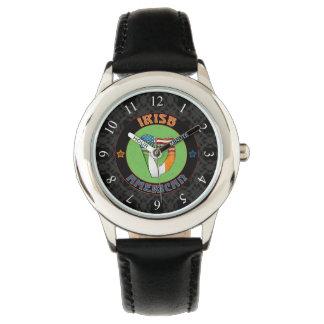 Reloj americano irlandés del diseño de la arpa