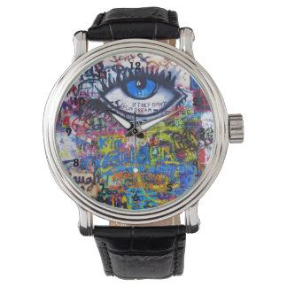 Reloj Arte colorido de la calle de la pintada
