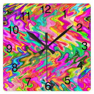 Reloj brillante, intrépido del diseño del extracto
