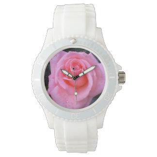 Reloj color de rosa rosado del flower power