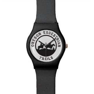 Reloj con el logotipo