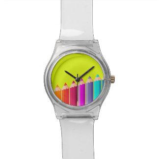 Reloj con los lápices del color