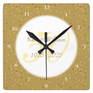 Reloj Cuadrado 50.o Confeti del polvo de oro del aniversario de