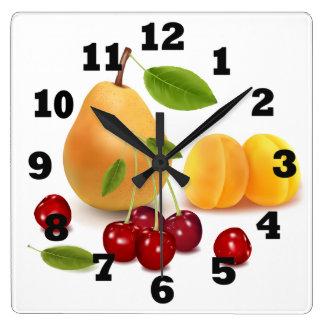 Reloj Cuadrado Albaricoque y cerezas de la pera