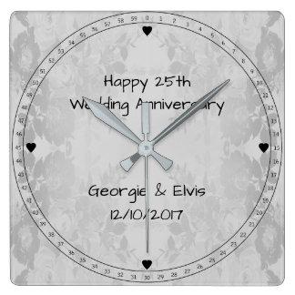 Reloj Cuadrado Aniversario de boda feliz de las flores grises