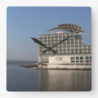 Reloj Cuadrado Bahía de Cardiff (verano)