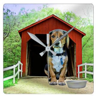 Reloj Cuadrado Casa de perro cómica del puente cubierto de la