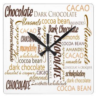 Reloj Cuadrado Chocolate, almendras y diseño oscuro del texto del