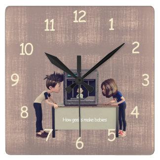 Reloj Cuadrado Cómo los frikis hacen a bebés