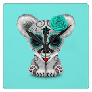 Reloj Cuadrado Día azul de la koala muerta del bebé